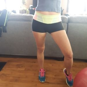 lululemon athletics reversible booty shorts